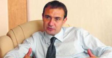 Гуцанов