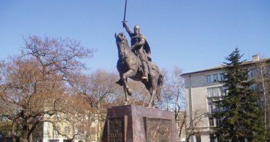 СДС-Варна, с основна заслуга за издигането на паметник на Цар Калоян в морската столица